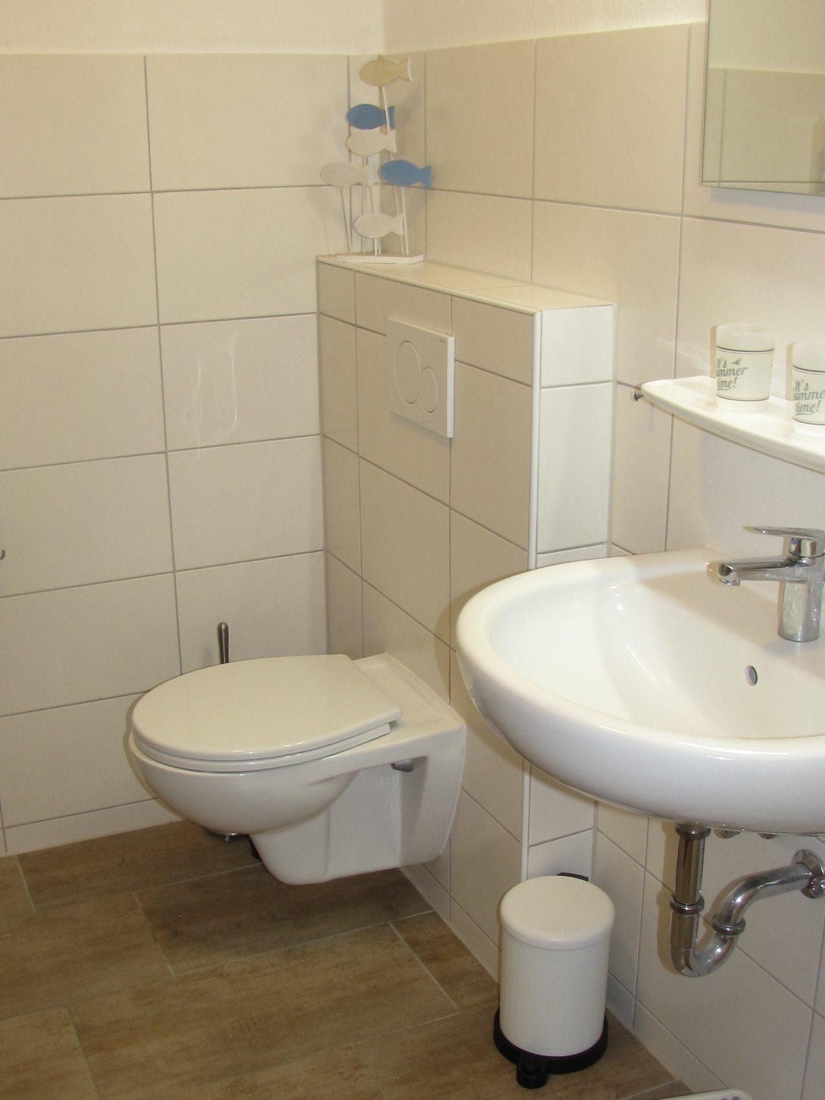 Badezimmer in der Ferienwohnung Muschel in Carolinensiel