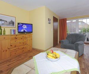 Wohnzimmer in der Ferienwohnung Wattwurm in Carolinensiel
